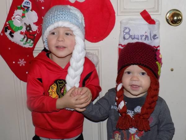Anna & Elsa hats-00e0e_hbpoluzmmqq_600x450-jpg