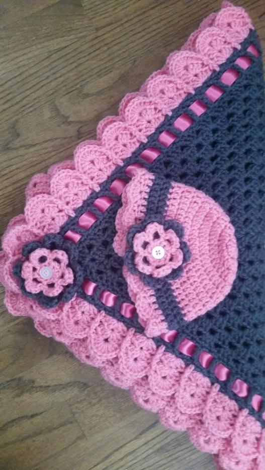 Granny Square and Ribbon Baby Blanket Set - Free Pattern-bc64f2a3c34525b043654319a727ca92-jpg