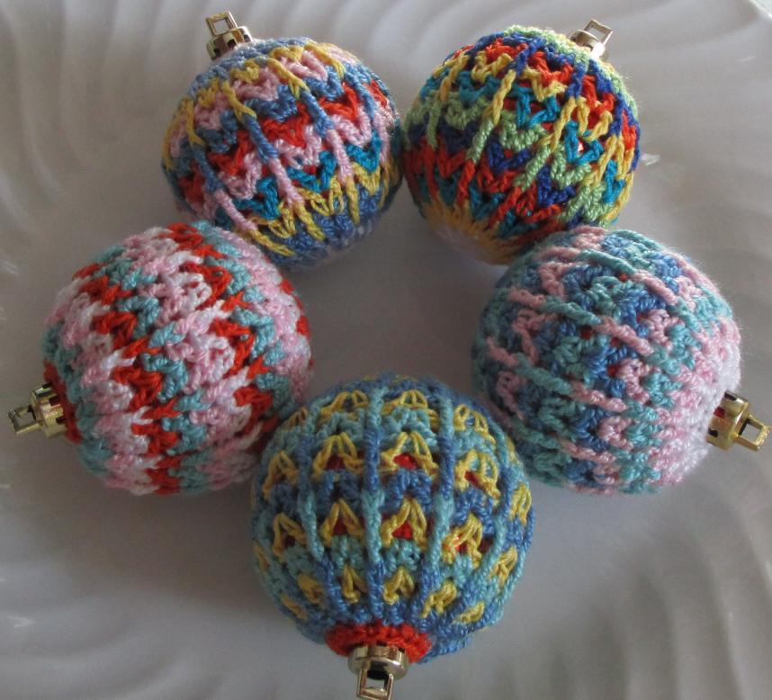 Free Christmas Bauble Pattern-img_0716-jpg