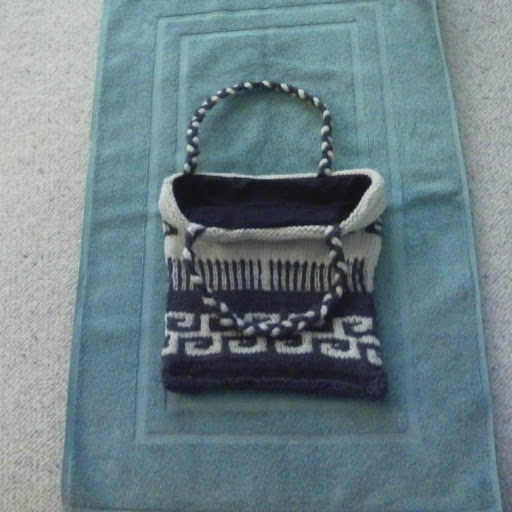 Knitted Tote-lininng-tote-jpg