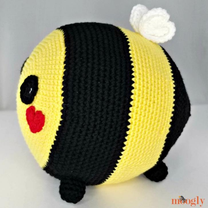 Benevolent Bumble Bee-bee1-jpg