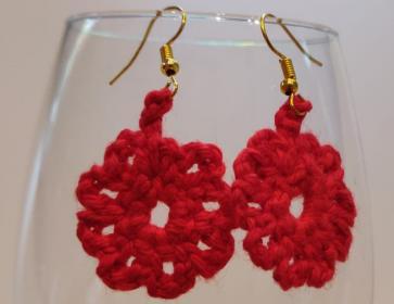 Beautiful red earrings!-eerste-oorbellen-jpg