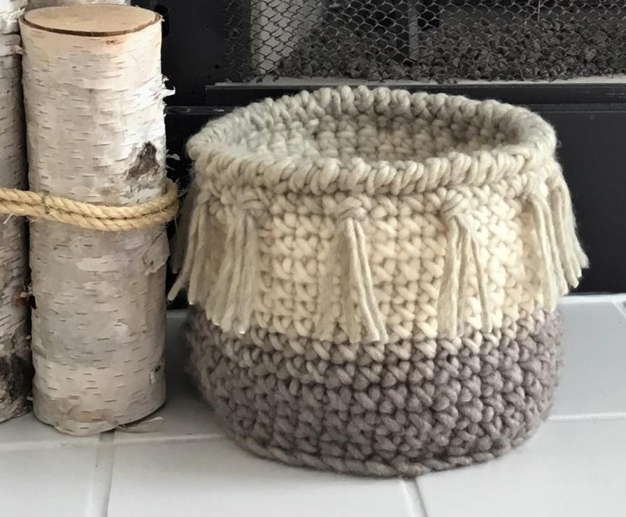 Easy Round Basket with Fringe-basket-jpg