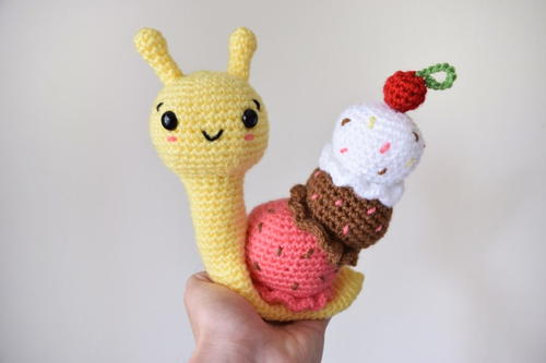 Banana Split Snail Free Crochet Pattern (English)-banana-split-snail-free-crochet-pattern-jpg