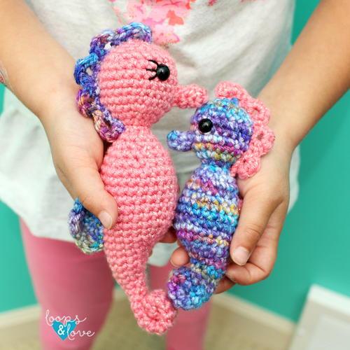 Mommy & Me Seahorse Amigurumi Free Crochet Pattern (English)-mommy-seahorse-amigurumi-free-crochet-pattern-jpg