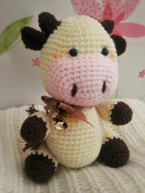 Candy Cow Amigurumi Free Crochet Pattern (English)-candy-cow-amigurumi-free-crochet-pattern-jpg