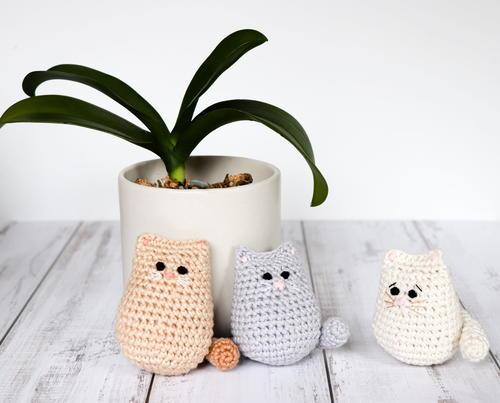 Itty Bitty Kitty Free Crochet Pattern (English)-itty-bitty-kitty-free-crochet-pattern-jpg
