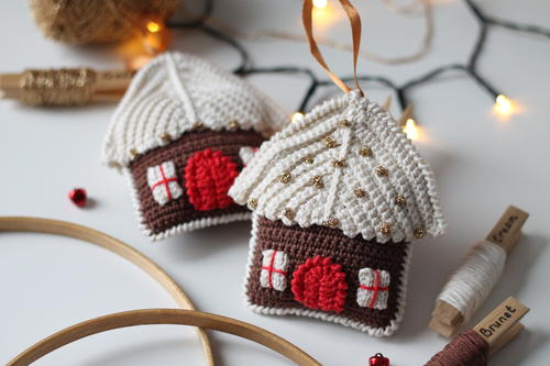 Gingerbread House Amigurumi Free Crochet Pattern (English)-gingerbread-house-amigurumi-free-crochet-pattern-jpg