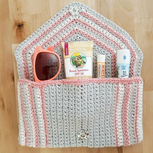Chic Clutch Free Crochet Pattern (English)-chic-clutch-free-crochet-pattern-jpg