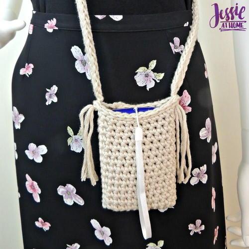 Camera Bag Free Crochet Pattern (English)-camera-bag-free-crochet-pattern-jpg