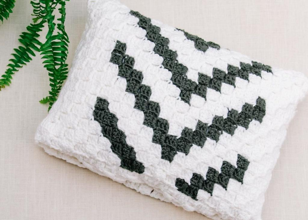 Modern C2C Blanket and Pillow Cover-baby3-jpg