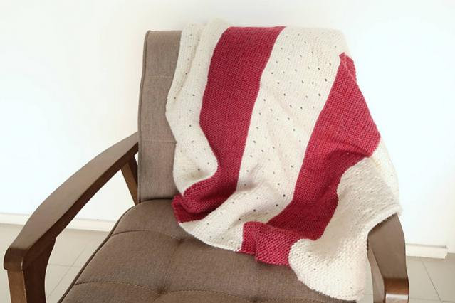Strawberry Seed Baby Blanket, knit-a1-jpg